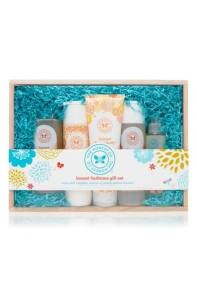 The Honest Company Bath Time Gift Set ($32.90) http://shopstyle.it/l/cKJC