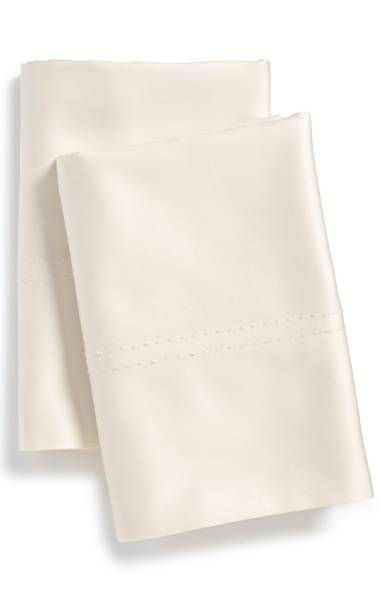 Nordstrom at Home 400 Thread Count Standard Pillowcases $17.40 (50% off) http://shopstyle.it/l/cFE7